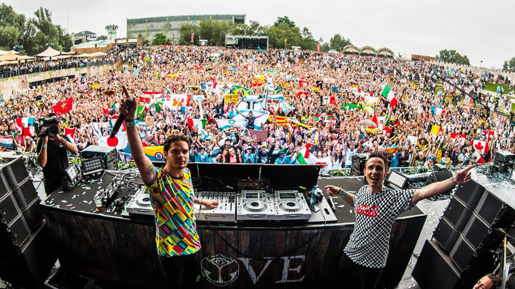 Lucas & Steve Open 2021 With Awesome Club Mix Of 'I Want It All'!